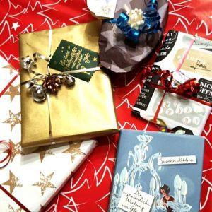 Buch im Geschenketaumel